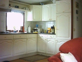 Te koop woning op eigen grond te ommen - Moderne chalet keuken ...